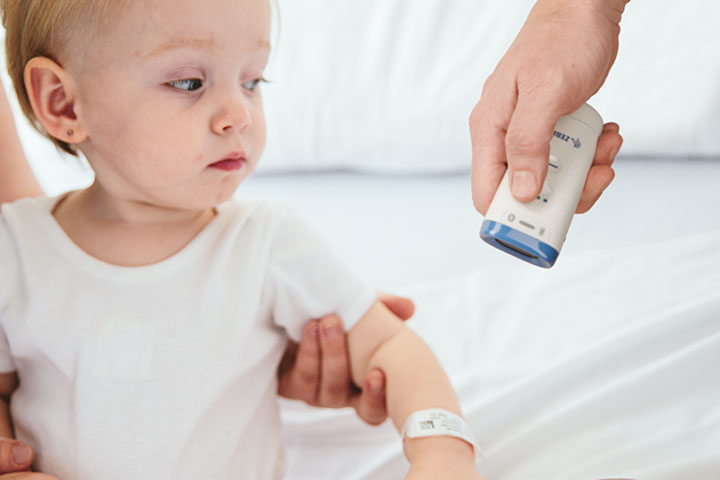 病院全域で安全なLED照準を使用可能 ZEBRA CS6080HC 多機能型医療用スキャナ